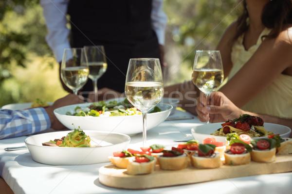 Alimente sticlă de vin masa restaurant vin Imagine de stoc © wavebreak_media