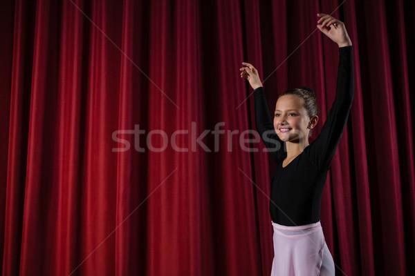 Bailarina ballet danza etapa nina Foto stock © wavebreak_media