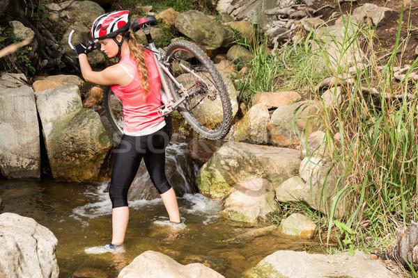Szőke nő atléta hordoz hegyi kerékpár folyam természet Stock fotó © wavebreak_media