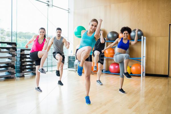 Fitness klasse studio gymnasium vrouw Stockfoto © wavebreak_media