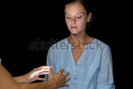 изображение женщину черный помочь женщины смотрят Сток-фото © wavebreak_media