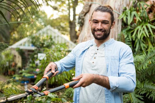 Retrato feliz jardinero jardín jóvenes masculina Foto stock © wavebreak_media