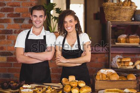 Portré pincérnő áll kéz csípő kávézó Stock fotó © wavebreak_media