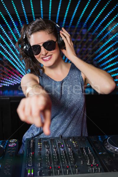 Ziemlich weiblichen spielen Musik Diskothek Frau Stock foto © wavebreak_media