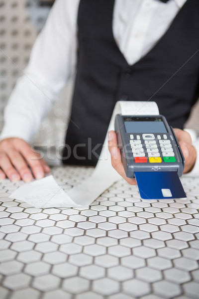 Barman creditcard bar counter business partij Stockfoto © wavebreak_media