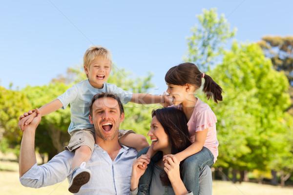 Parents enfants ferroutage femme famille fille Photo stock © wavebreak_media