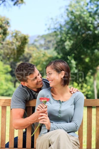 Hombre esposa flor mujer flores verano Foto stock © wavebreak_media