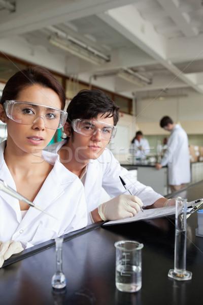 Ritratto scienza studenti lavoro laboratorio sorriso Foto d'archivio © wavebreak_media