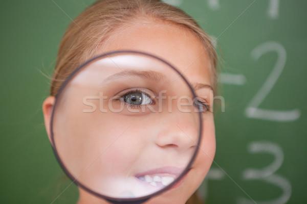 Schoolmeisje naar vergrootglas klas kind Stockfoto © wavebreak_media