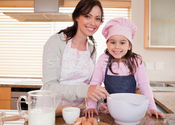 Matka córka kuchnia dziewcząt zabawy Zdjęcia stock © wavebreak_media