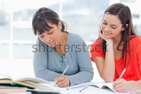 2 学生 勉強 宿題 一緒に 図書 ストックフォト © wavebreak_media
