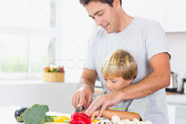 Foto stock: Filho · pai · legumes · juntos · cozinha · casa · menino