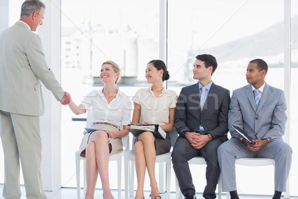 Zakenman handen schudden vrouw mensen wachten sollicitatiegesprek Stockfoto © wavebreak_media