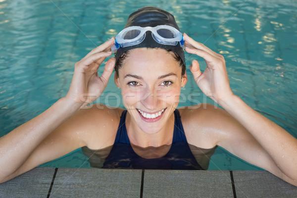 フィット スイマー 笑みを浮かべて アップ カメラ スイミングプール ストックフォト © wavebreak_media