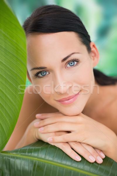 Mooie naakt brunette poseren groene bladeren Blauw Stockfoto © wavebreak_media