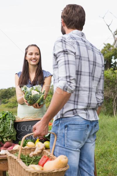 Сток-фото: женщину · органический · овощей · рынке