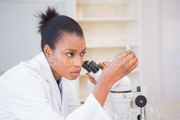 Zagęszczony naukowiec patrząc probówki laboratorium medycznych Zdjęcia stock © wavebreak_media