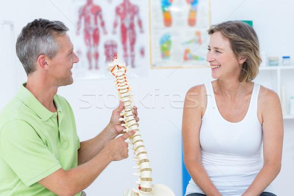 Orvos mutat anatómiai gerincoszlop orvosi iroda Stock fotó © wavebreak_media