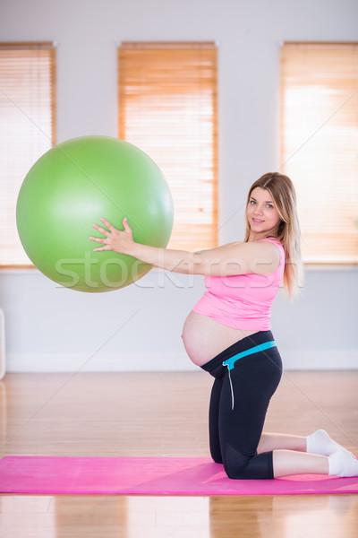 Stock fotó: Terhes · nő · tart · testmozgás · labda · otthon · ház