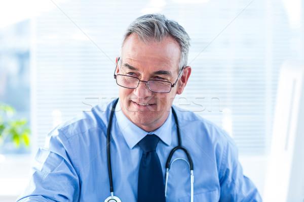 Médico do sexo masculino clínica estetoscópio homem Foto stock © wavebreak_media