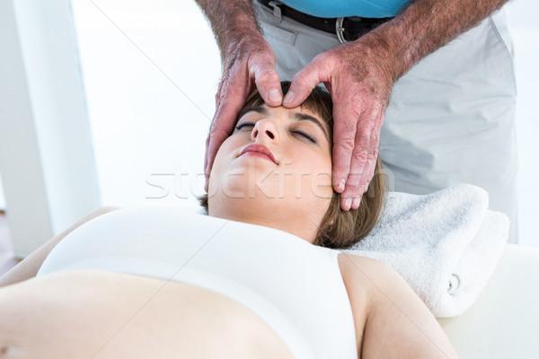 Donna reiki trattamento maschio terapeuta Foto d'archivio © wavebreak_media