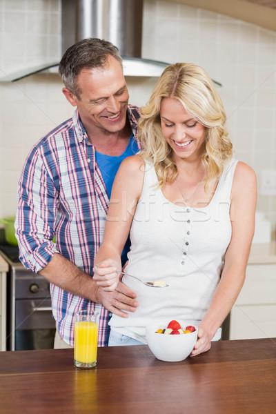 Cute paar ontbijt keuken vrouw gelukkig Stockfoto © wavebreak_media