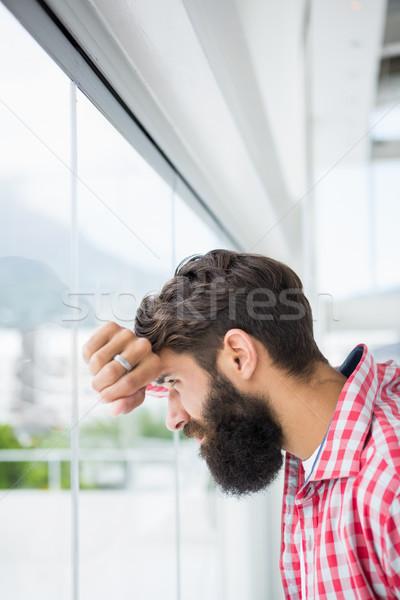 Homem olhando fora trabalhar terno Foto stock © wavebreak_media