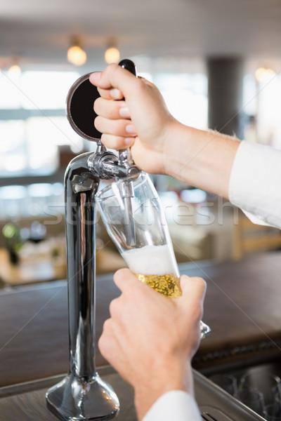 Garson doldurma bira bar pompa Stok fotoğraf © wavebreak_media