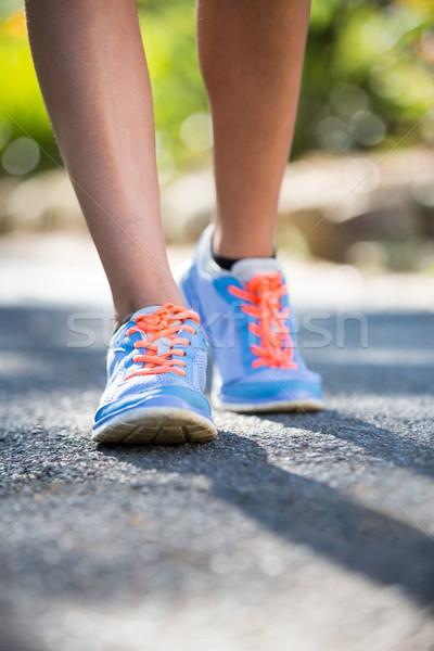 Mujer correr parque pies deportes ejecutando Foto stock © wavebreak_media