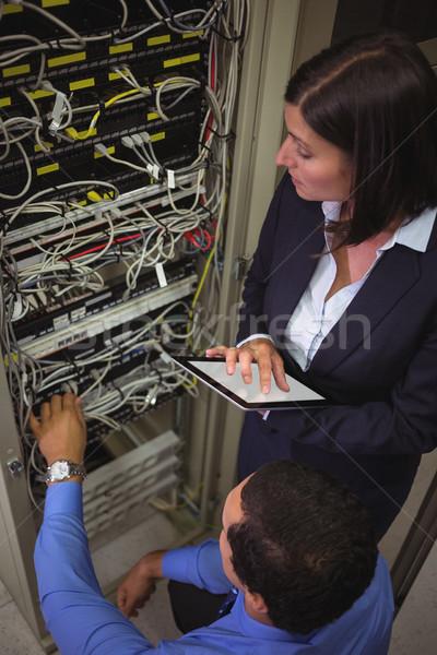 Digitális tabletta szerver szoba nő szeretet Stock fotó © wavebreak_media