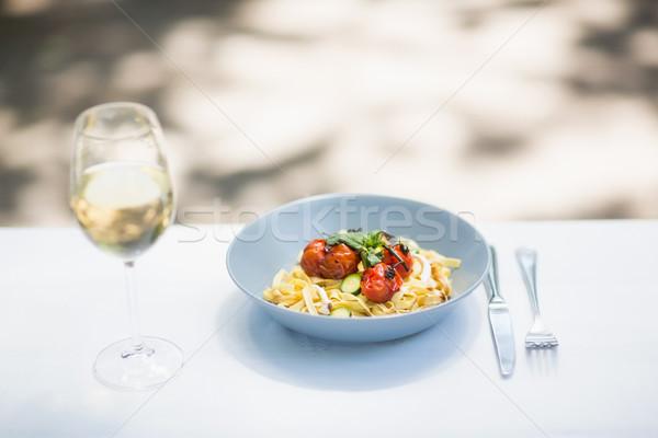 酒杯 食品 碗 刀具 表 商業照片 © wavebreak_media