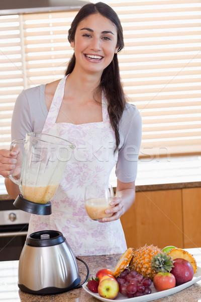 肖像 若い女性 新鮮な ジュース ガラス ストックフォト © wavebreak_media