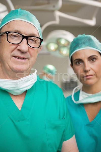 Cirurgião óculos colega cirúrgico quarto homem Foto stock © wavebreak_media