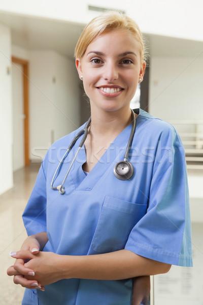 Zdjęcia stock: Uśmiechnięty · pielęgniarki · szpitala · korytarz