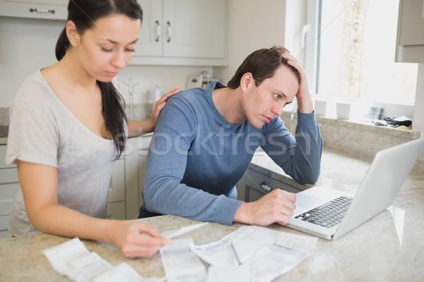Twee mensen met behulp van laptop vrouw internet man Stockfoto © wavebreak_media