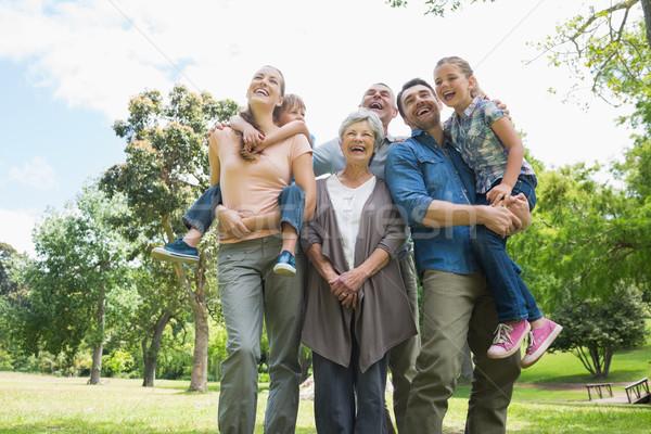 Vrolijk uitgebreide familie park permanente Stockfoto © wavebreak_media