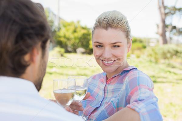 Gelukkig vergadering tuin genieten wijn Stockfoto © wavebreak_media