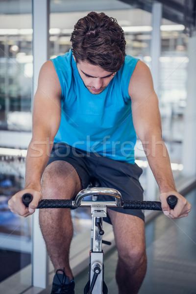 Gericht geschikt man spinnen fiets gymnasium Stockfoto © wavebreak_media