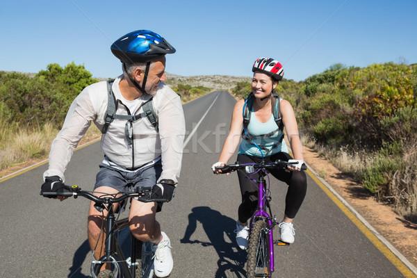 Actief paar fiets platteland vrouw Stockfoto © wavebreak_media