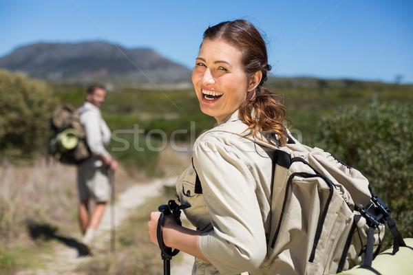 Heureux randonnée couple marche pays sentier Photo stock © wavebreak_media