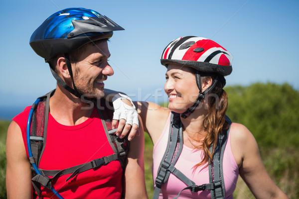Aktywny para rowerowe uśmiechnięty inny Zdjęcia stock © wavebreak_media