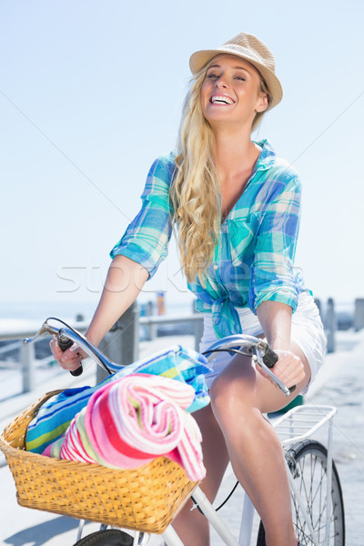 Sevimli bisiklet mutlu yaz Stok fotoğraf © wavebreak_media