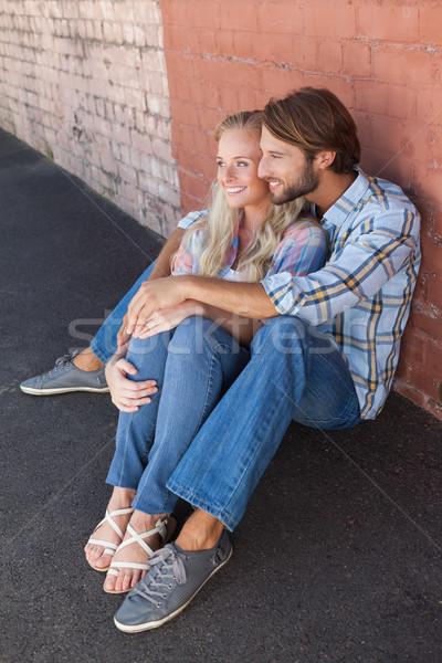 Bonitinho casal sessão terreno cidade Foto stock © wavebreak_media