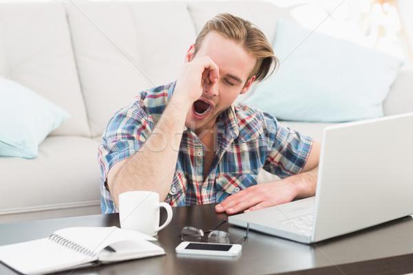 Cansado hombre de trabajo casa salón Foto stock © wavebreak_media