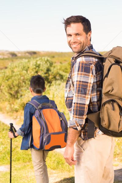 Figlio di padre escursione insieme uomo felice Foto d'archivio © wavebreak_media