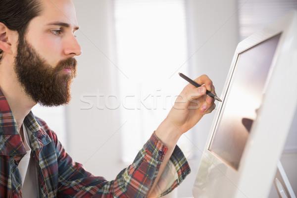 бизнесмен указывая компьютер пер служба Сток-фото © wavebreak_media
