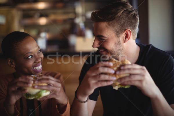 幸せ カップル ハンバーガー レストラン 愛 ホテル ストックフォト © wavebreak_media