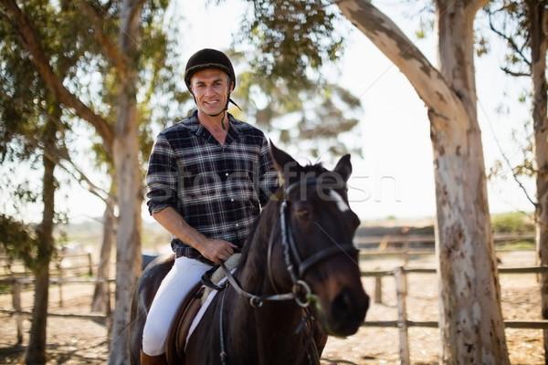 Homem equitação cavalo rancho amor Foto stock © wavebreak_media