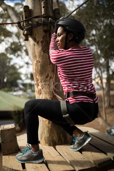 женщину готовый линия Adventure парка Сток-фото © wavebreak_media