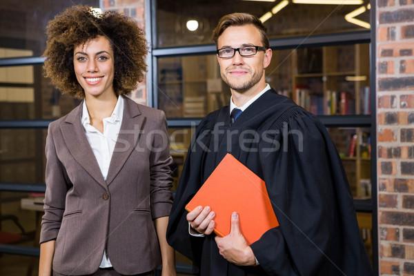 Geschäftsfrau stehen Rechtsanwalt Bibliothek Porträt Büro Stock foto © wavebreak_media